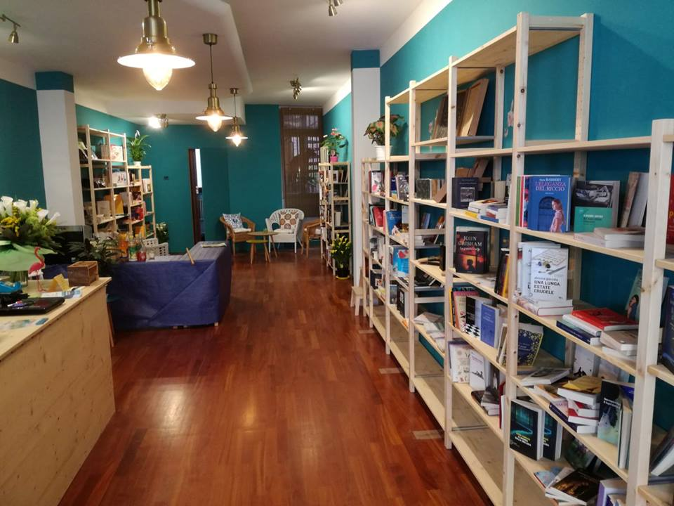 """Rovigo, Libreria """"La Magnolia"""" in via Badaloni 14"""