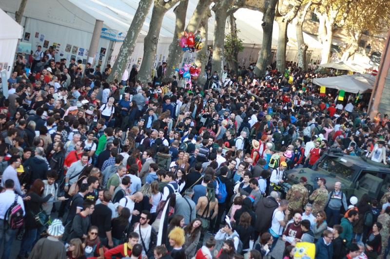 La folla a Lucca Comics & Games 2015