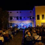 Premio Tamburini 2019 Il pubblico presente nel giardino di Palazzo Casalini (Foto: Chiara Paparella)