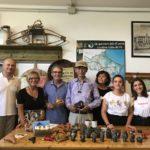 La famiglia Fecchio con Zong Pei, il sindaco di Ariano Luisa Beltrame e Matteo Cassetta di Coldiretti