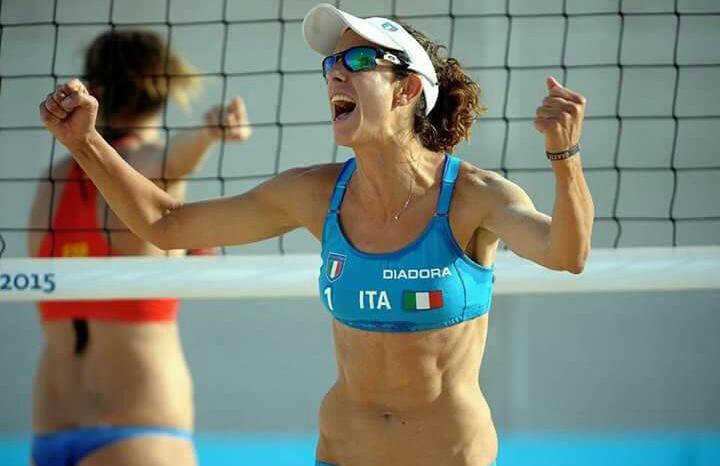 Giulia Momoli è giocatrice di beach volley e pallavolista italiana