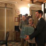 L'omaggio alla cuoca da parte del presidente di Coldiretti Rovigo Carlo Salvan